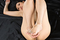 Yokoyama Natsuki Stretching Her Long Legs And Cum Over Bare Foot