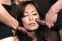 Small tits beauty Hirako Saori face fucked by two men